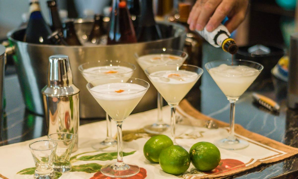 pisco-sour-recipe-bitters.jpg
