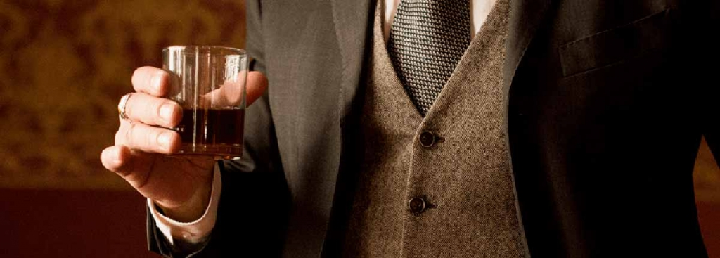 Scotch-and-Whiskey-Gifts-for-Men.jpg