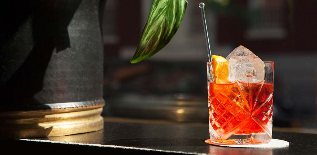 Recipe-How-to-Make-a-Negroni-Campari-Cocktail-Recipe-Ratio-Naren-Young-Dante-NYC.jpg
